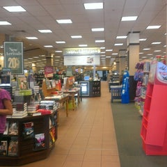 Photo taken at Barnes & Noble by Dino C. on 9/10/2013