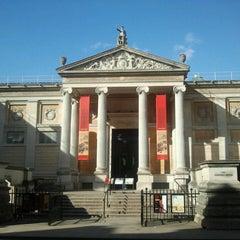 Photo taken at The Ashmolean Museum by José Manuel R. on 3/14/2013