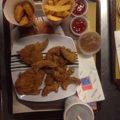 Photo taken at Edlee Fried Chicken by Amin I. on 6/6/2015