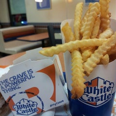 Photo taken at White Castle by Jayson B. on 8/14/2014