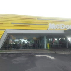 Photo taken at McDonald's / McCafé by Fredryk M. on 1/4/2013
