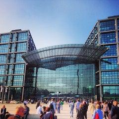 Photo taken at Berlin Hauptbahnhof by Bryce R. on 4/24/2013