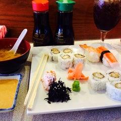Photo taken at Tokyo Japanese Restaurant & Sushi Bar by DJ Bash on 4/25/2014