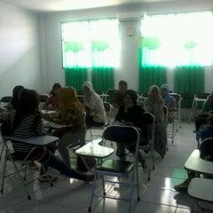 Photo taken at Universitas Ichsan Gorontalo by ays on 10/11/2012