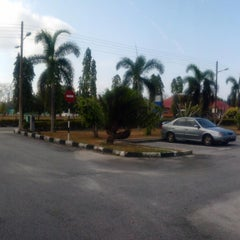 Photo taken at Hotel Resident Instep by ADZLAN S. on 3/4/2015