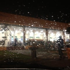 Photo taken at R&R Dengkil (South Bound) by Roslan T. on 12/1/2012