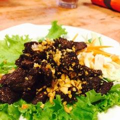 Photo taken at Alissara Thai Cuisine by Dania H. on 8/23/2015