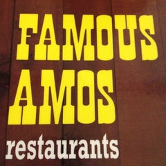 Photo taken at Famous Amos by Anitra on 11/17/2012