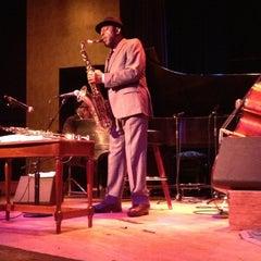 Photo taken at Yoshi's Jazz Club & Japanese Restaurant by Stephen G. on 10/13/2012