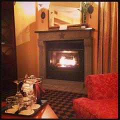 Photo taken at Le Westin Resort & Spa, Tremblant, Quebec by Mayumi I. on 9/29/2013