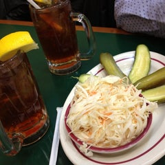 Photo taken at Ben's Best Kosher Delicatessen by Teddy on 3/19/2013