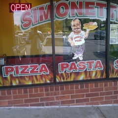 Photo taken at Simonetti's Pizza by Dre I. on 9/20/2012
