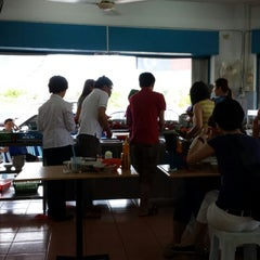 Photo taken at Federal Ah Cheng Yong Tau Foo by Leong M. on 7/6/2014