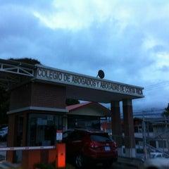 Foto tomada en Colegio de Abogados por Carlos L. el 11/14/2012