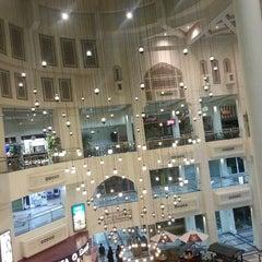 Photo taken at Al Aali Mall | مجمع العالي by Zahraa E. on 7/19/2013