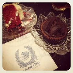 Photo taken at Cream by Café de Tu (ครีม บาย คาเฟ่ เดอ ตู) by iKiK P. on 9/28/2012