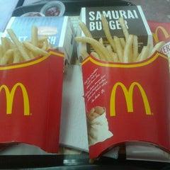 Photo taken at McDonald's by Zahira B. on 9/23/2012