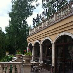 Photo taken at Bellagio by hzhzhzh on 6/30/2013