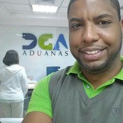 Photo taken at Dirección General de Aduanas DGA by Ramon on 3/4/2014