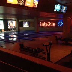 Photo taken at Lucky Strike Phoenix by Jeff on 1/18/2013