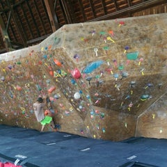 Photo taken at Red Barn Climbing Gym by THÜNDERHORßE ก. on 7/11/2015