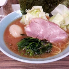 Photo taken at 武蔵家 中野本店 by Takeshi S. on 10/1/2012