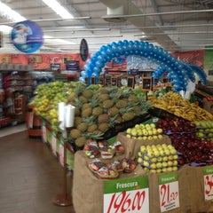 Photo taken at Supermercado La Unión by Roberto M. E. on 10/21/2012
