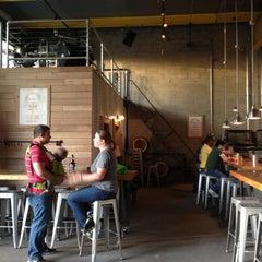 Photo taken at SingleCut Beersmiths by Yosef Y. on 5/17/2013