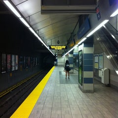 Photo taken at Yaletown - Roundhouse SkyTrain Station by Sanchia on 8/16/2011