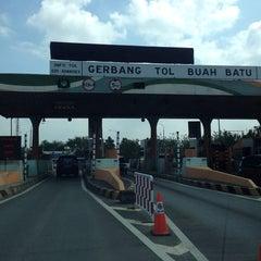 Photo taken at Gerbang Tol Buah Batu by Gepe on 7/12/2014
