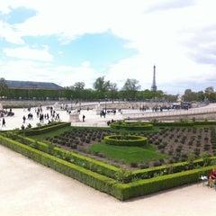 Photo taken at Jardin des Tuileries by Léo on 4/29/2013