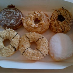 Photo taken at Big Apple Donuts & Coffee by Shaf D. on 2/14/2013