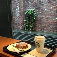 Photo taken at Starbucks Coffee 大阪ガーデンシティ店 by みいちゃ on 5/9/2013