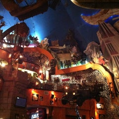 Photo taken at Planet Hollywood by Leonardo on 1/4/2013