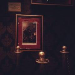 Photo taken at Hard Rock Cafe by Pinky B. on 4/5/2013