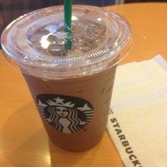Photo taken at Starbucks (สตาร์บัคส์) by M4YAPRiL on 4/23/2013