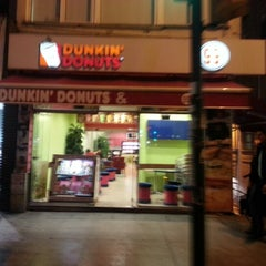 Photo taken at Dunkin Donuts by Cemal on 12/22/2012
