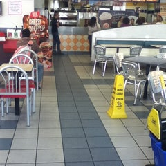 Photo taken at Burger King by Marcos Alexis on 4/4/2013