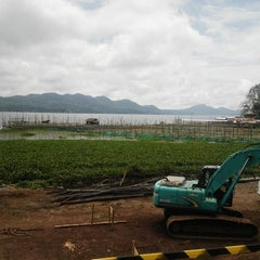 Photo taken at Danau Tondano by Tyas S. on 11/19/2014