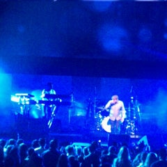 Photo taken at Gibson Amphitheatre by Claudia G. on 12/10/2012