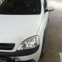 Photo taken at Auto Posto Estônia 3 by Fabricio J. on 12/31/2012