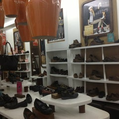 Photo taken at Hush Puppies by Maria Jose D. on 1/23/2013