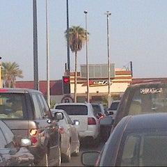 Photo taken at تقاطع البلاجات وشارع المطاعم by Warda on 10/8/2012