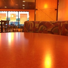 Photo taken at Taco Bell by Aaron E. on 11/22/2012
