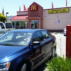 Photo taken at McDonald's by Ben J. D. on 6/22/2014