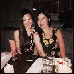 Photo taken at Blowfish Restaurant & Sake Bar by Carmen on 5/24/2015
