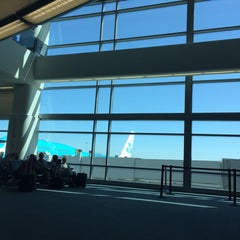 Photo taken at Gate A7 by Léna Le Rolland on 9/17/2014