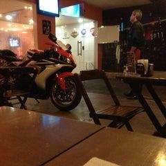 Photo taken at Kalabara Moto Bar by Jorge on 6/13/2013