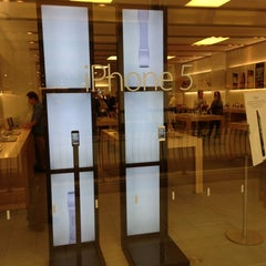 Photo taken at Apple Store, The Oaks by Doug M. on 10/18/2012