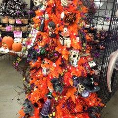 Photo taken at Moskatel's by Jon Nilo A. on 10/18/2012